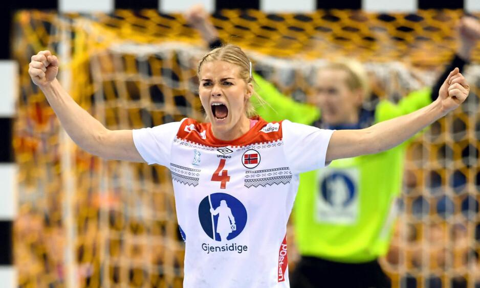 SANNHETENS TIME: Veronica Kristiansen og de andre håndballjentene spiller om finaleplass i VM i håndball. Foto: Carl Sandin / BILDBYRÅN