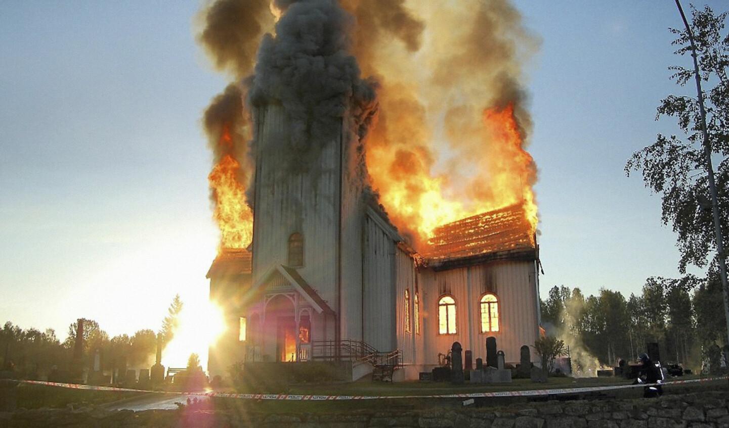 Når ei kirke brenner ned