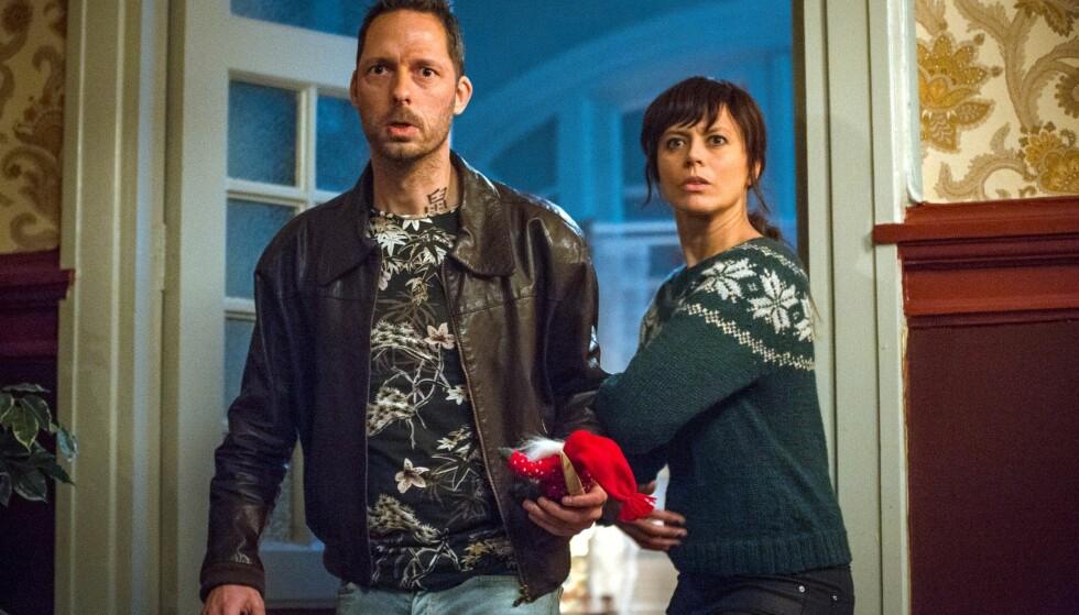 BLODIG: Trond Fausa og Ine Jansen spiller mot hverandre i «Jul i Blodfjell». Foto: TVNorge