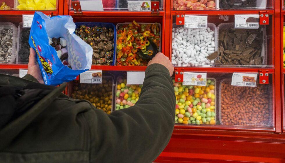 «UANSVARLIG»: Økningen på 83 prosent i sjokolade- og sukkeravgiften er fullstendig uansvarlig og på ingen måte gjennomtenkt, skriver Sp-leder Trygve Slagsvold Vedum. Foto: Mariam Butt / NTB Scanpix