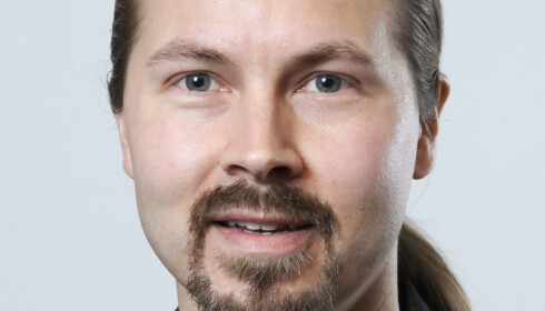 ADVARER: Sturla K Naas Johansen ved RUStelefonen mener at rusbrus generelt henvender seg i særlig grad til unge jenter.