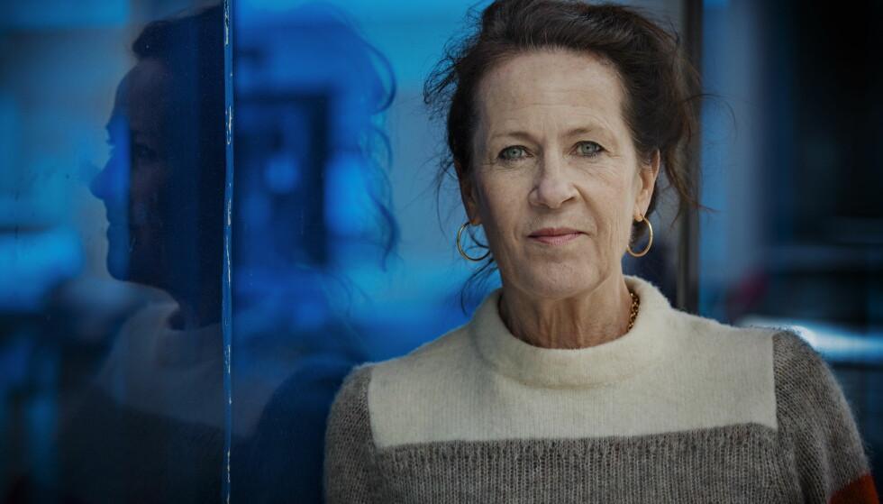 RAMMET: Vigdis Hjorths forrige roman, «Arv og miljø», antente en hissig debatt om bruk av virkelige hendelser i litteraturen. I årets roman møter vi en kvinne som prøver å være sannferdig og ærlig i livet sitt - og blir knekt.