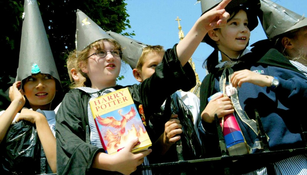 GLOBAL SUKSESS: «Harry Potter»-bøkene har fått æren for å gjøre mange barn til ivrige lesere. Foto: Hugo Philpott/ Reuters / Scanpix
