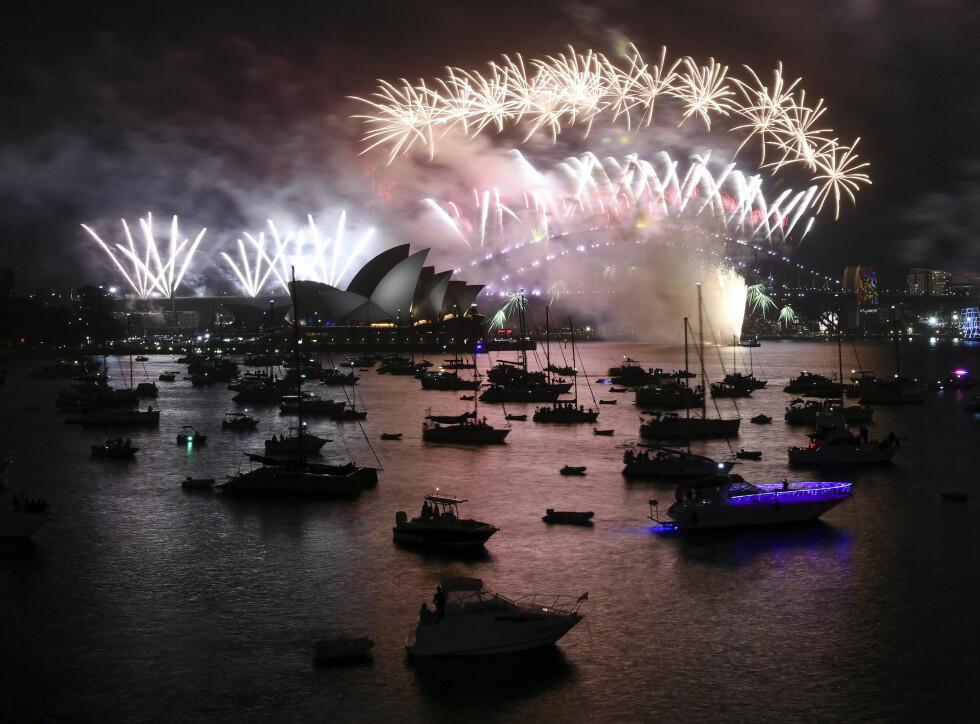 SYDNEY: Fyrverkeriet over Sydney Harbour var som alltid et spektakulært syn. Foto: AP / NTB scanpix