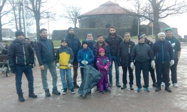 KRISTIANSAND: Frivillige som deltok på nyttårsdugnaden i Kristiansand. Foto: Privat