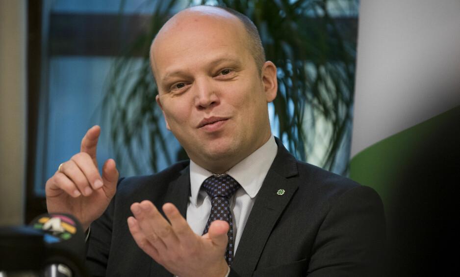 GÅR FRAM: Velgerne har så langt ikke straffet Senterpartiet for sexmeldingsbråket. Foto: Heiko Junge / NTB scanpix