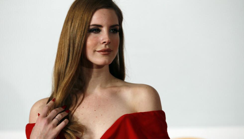 KAN BLI SAKSØKT: Lana Del Rey bekrefter uoverenstemmelse rundt låta «Get Free» på Twitter. FOTO: NTB Scanpix