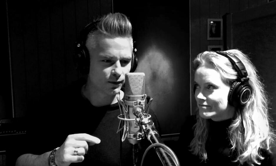 BEST MED ANE: Janove Ottesen synger duett med Ane Brun på det som er det beste sporet på hans nye album, «Hengtmann». Foto: Arne Bru Haug