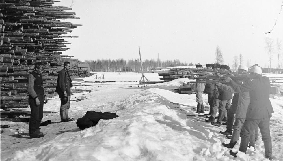 Et splittet folk: Nærmere 40 000 mennesker døde under borgerkrigen i Finland. Over halvparten var «Røde» som ble henrettet eller døde i konsentrasjonsleirer. Foto: Wikimedia Commons