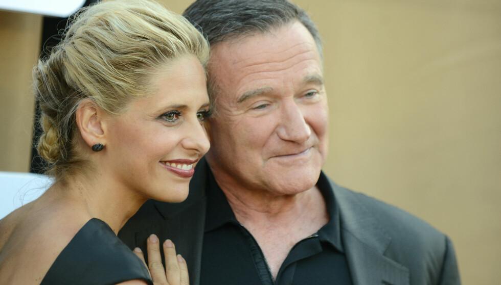 KOLLEGER: Sarah Michelle Gellar og Robin Williams spilte sammen i tv-serien «The Crazy Ones», som ble kansellert etter bare en sesong. Her avbildet i 2013. Foto: NTB Scanpix