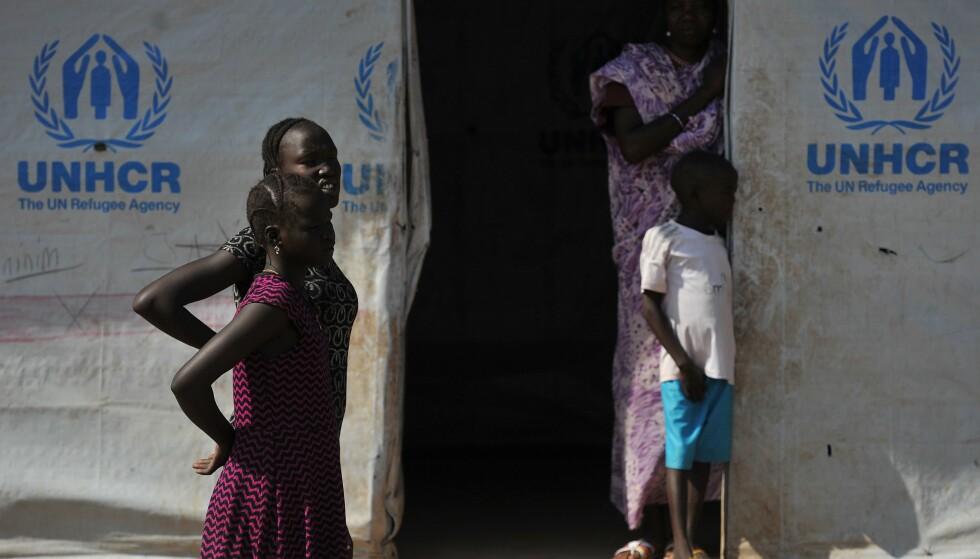 I UTVIKLINGSLAND: Omtrent 84 prosent av verdens flyktningbefolkning befant seg i 2016 i utviklingsland, skriver forfatteren. Her fra flyktningleiren Kakuma i Kenya. Foto: AFP PHOTO / NTB scanpix