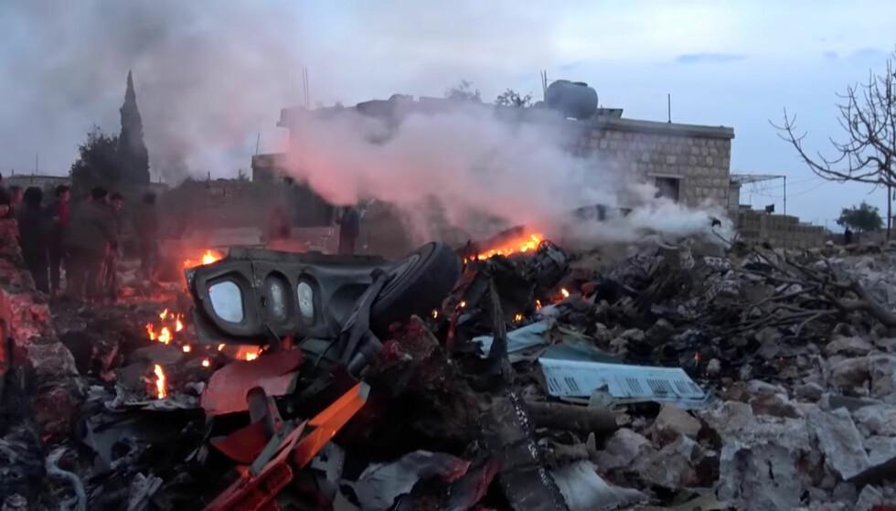 HELTENS FLY: Dette skal være restene av flyet til pilot-helten Roman Filippov. Foto: REUTERS / NTB Scanipx