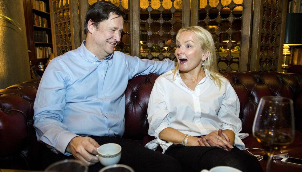 BAK KULISSENE: John Christian Elden og kona Sol Elden blir regelmessig fotografert med ansiktsuttrykk preget av alvor og konsentrasjon fra norske rettssaler. Nå forteller de hvordan det er å sjonglere en særdeles hektisk jobbhverdag med privatlivet. Foto: Lars Eivind Bones