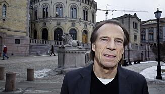 ØNSKER ENDRING: Jan Bøhler ønsker at Stortinget vedtar at kommunene som opplever problemer med elsparkesykler får et større ansvar. Foto: Henning Lillegård / Dagbladet .
