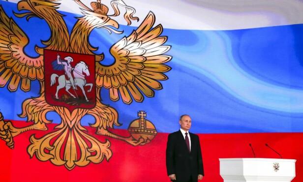 IKKE SETT MAKEN: - Måten Putin flagger atomvåpnene, er noe vi ikke har sett maken til noengang. Han snakker om atomraketter mens de flyr på en storskjerm bak ham. Surrealistisk, men det er faktisk sant. Etter 1. mars 2018 har verden blitt et farligere sted, sier Russland-kjenner Thomas Nilsen. Foto: NTB scanpix