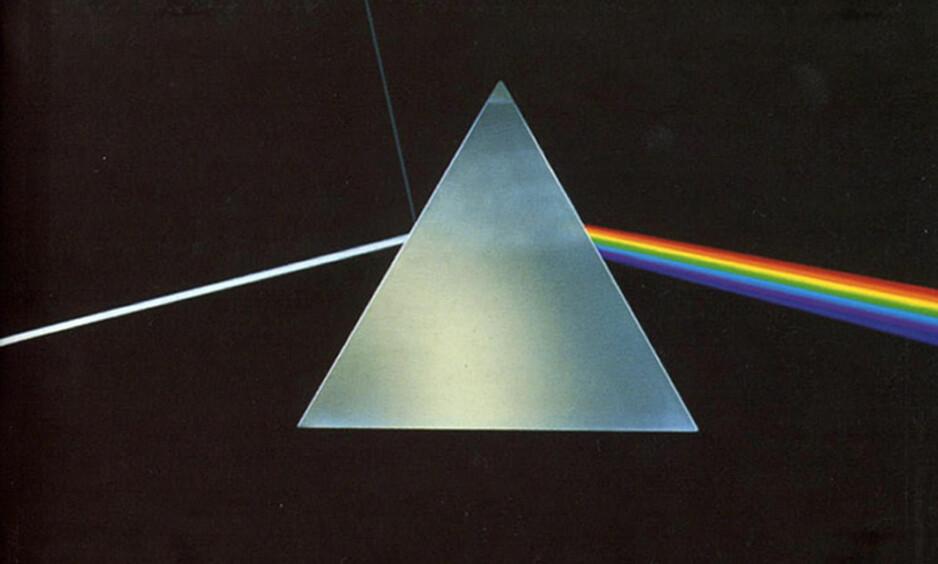 INNGANG: Albumet «Dark Side of the Moon» av Pink Floyd kom i 1973, og er et av tidenes mestselgende album. Coveret ble laget av Hipgnosis og George Hardie. Foto: NTB SCANPIX