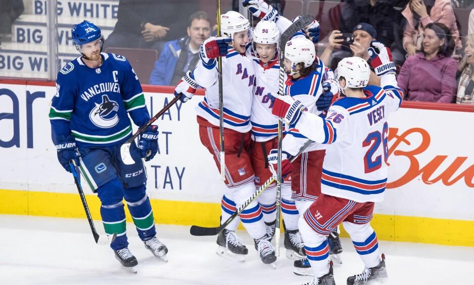 SEIERSBØLGE: Etter sju strake tap har endelig Rangers vunnet to kamper på rad. Her mot svenske Henrik Sedin i Vancouver Canucks i slutten av februar. Foto: THE CANADIAN PRESS/Darryl Dyck