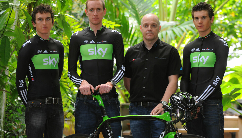 I HARDT VÆR: Bradley Wiggins og Dave Brailsford har blitt utsatt for nye anklager i en knusende dom fra en komité fra Det britiske parlamentet. Komiteen mener at Team Sky misbrukte medisinske fritak for å preppe rytterne sine foran Tour de France i 2012.