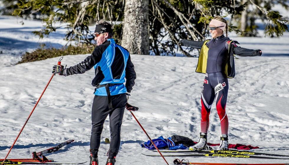VIL HA TRENEREN MED VIDERE: Pål Gunnar Mikkelsplass har vært viktig for treninga til Therese Johaug under utestengelsen. Foto: Thomas Rasmus Skaug /