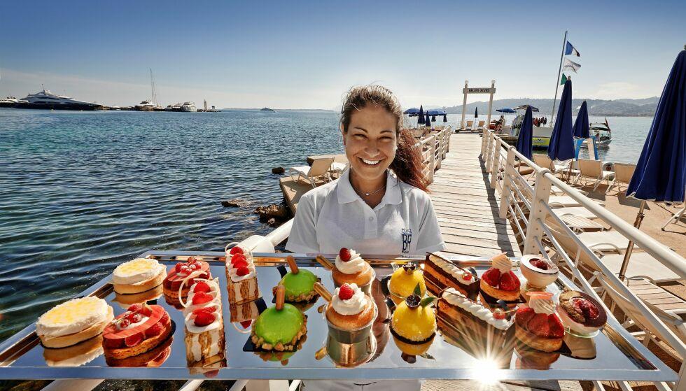 SØTSAKER: Du kan støte på mange fristelser på Rivieraen - som for eksempel en kakefest på kjendishotellet Belles Rives.