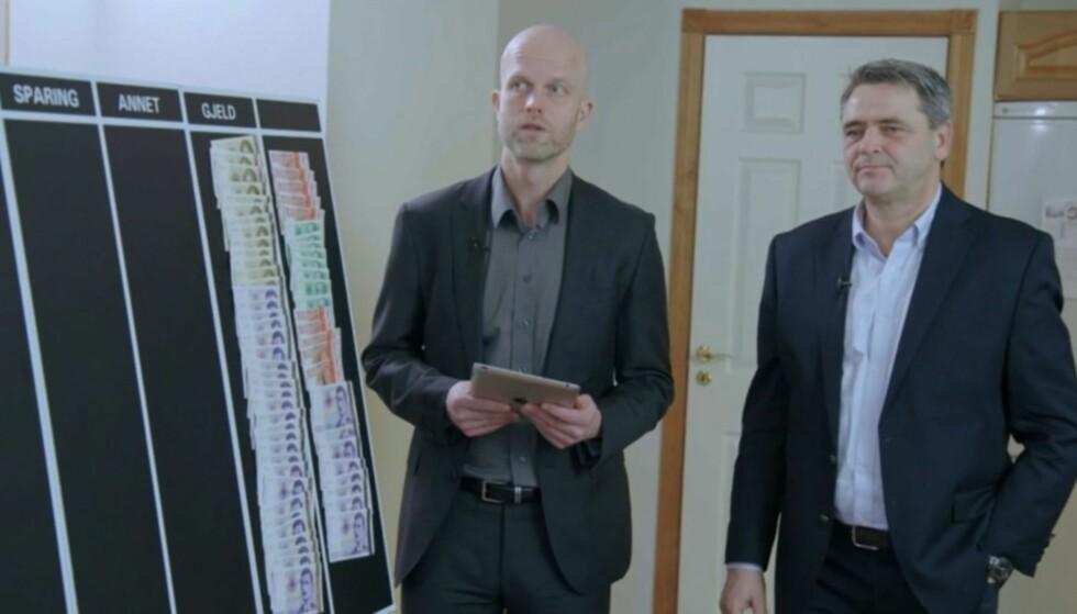 ENORM GJELD: Ekteparets gjeld er den høyeste i «Luksusfellens» historie. Dette sjokkerte ekspertene Hallgeir Kvadsheim (t.v) og Magne Gundersen. Foto: TV3