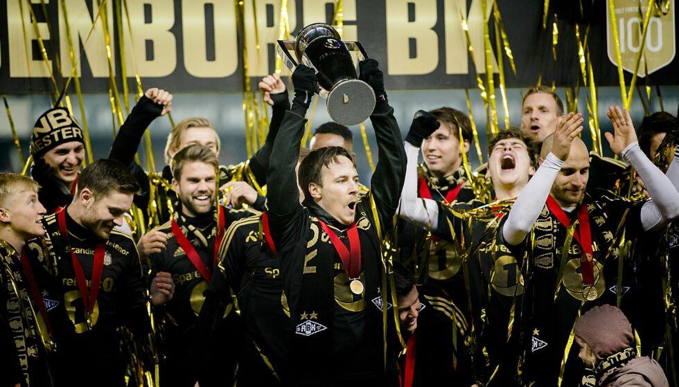 FJERDE STRAKE? De siste tre årene har Rosenborg hevet pokalen som seriemestere. Foto: NTB SCANPIX