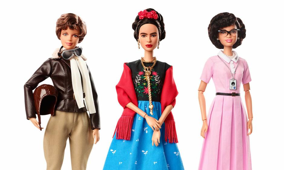 INSPIRERENDE KVINNER: Onsdag annonserte lekegiganten Mattel at de lager en egen dukkeserie med inspirerende kvinner, inkludert (fra venstre) flypioneren Amelia Earhart, maleren Frida Kahlo og matematikeren Katherine Johnson. Det har ikke falt i god jord hos alle. Foto: AP / Scanpix