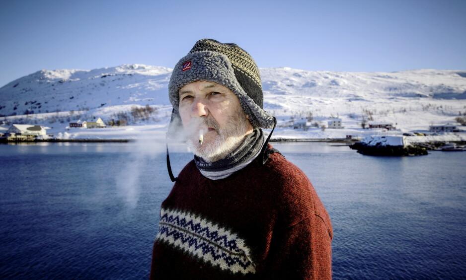 GIR SEG IKKE: Torulf Olsen bor i Hammerfest og Kvalsund. Fra brygga i Kvalsund varsler han fortsatt kamp mot gruva. Foto: Nina Hansen / DAGBLADET