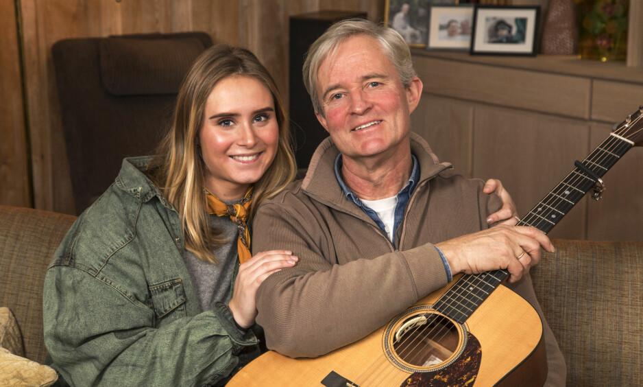 GA ALDRI OPP: - Jeg har en pappa med masse tæl og pågangsmot. Han er kjempeflink på gitaren, sier datteren Ellen. - Jeg er takknemlig for at livet har gått fremover, sier Jan Schwencke. Foto: Morten Eik