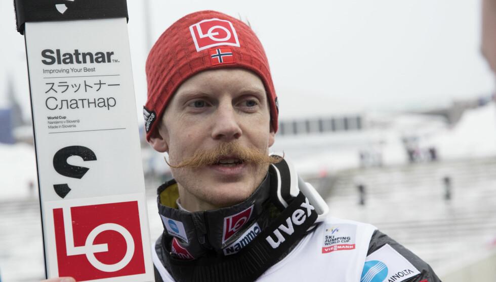 TAPTE POENG: Robert Johansson var Norges beste hopper i kvalifiseringen, men klarte ikke å matche Kamil Stoch. Foto: Terje Bendiksby / NTB scanpix