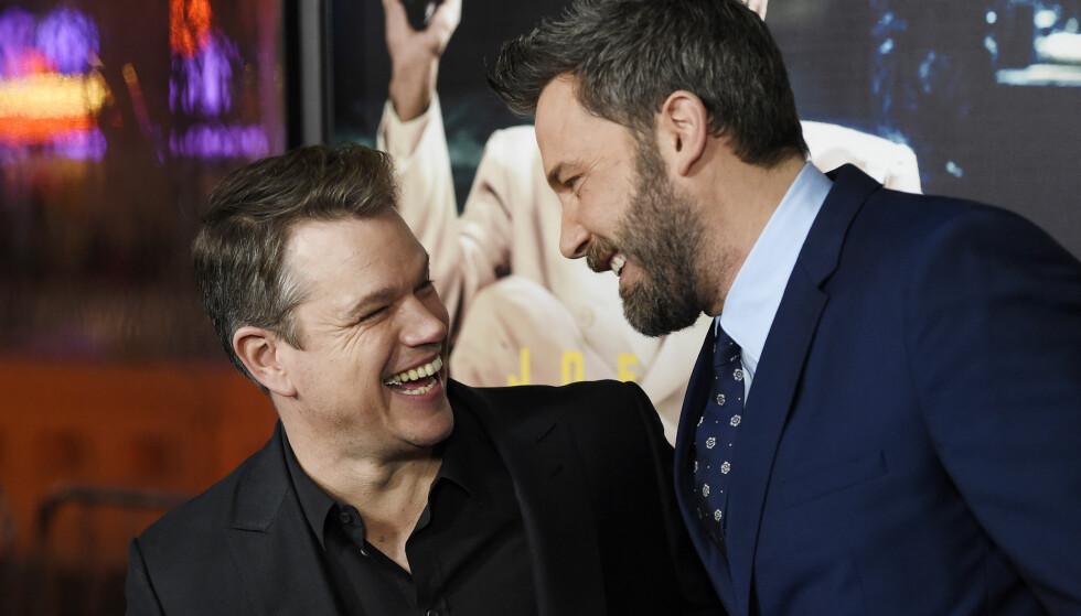 VIL INKLUDERE: Matt Damon og Ben Affleck krever at skuespillerne og filmcrewene på sine kommende filmer skal bli mer mangfoldig. FOTO: Chris Pizzello/NTB SCANPIX