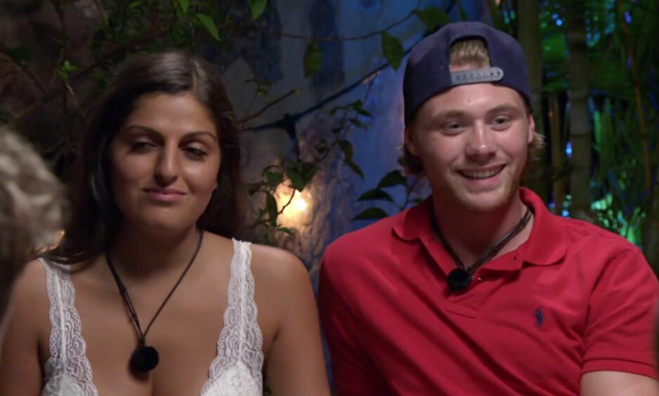HER FÅR HAN BESKJEDEN: Marius Pettersen (21) måtte brått sjekke ut av «Paradise Hotel» i kveldens episode, etter bare tre dager på hotellet. Til venstre Newa Reza (21). Foto: TV3