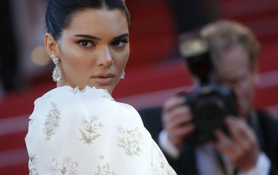 PRIVAT: Kendall Jenner bryter tausheten i et sjelden intervju, og kommenterer ryktene rundt hennes privatliv. Foto: NTB Scanpix