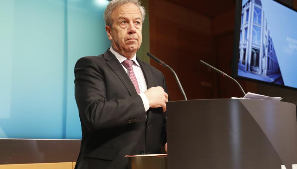UENDRET: Sentralbanksjef Øystein Olsen på torsdagens pressekonferanse om rentebeslutning og pengepolitisk rapport. Styringsrenten holdes uendret på 0,5%. Foto: Terje Bendiksby / NTB scanpix