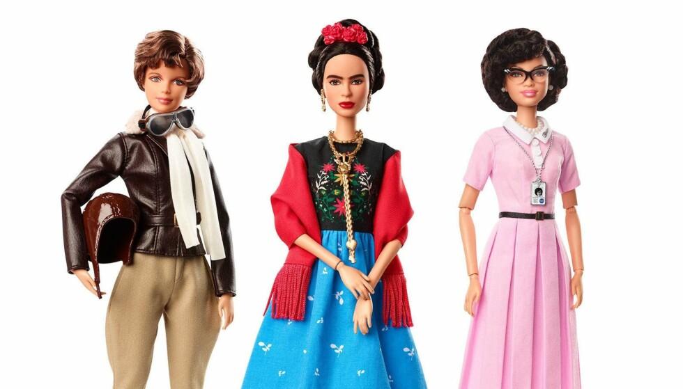 DEBATTEN RASER: Barbie-produsenten får kritikk for å ha forskjønnet Frida Kahlo i barbieversjonen av kunstneren. Flyger Amelia Earhart og NASA-forsker Katharine Graham inngår også i dukkeserien. Foto: AP / Scanpix
