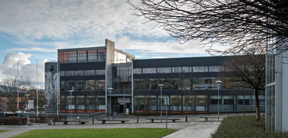 - ALVORLIG SAK: En musikkprofessor har sagt opp stillingen ved Universitet i Stavanger. Her administrasjonsbygget ved universitet: Arne Rettedals hus. Foto: Jarle Aasland, Stavanager Aftenblad/NTB Scanpix.