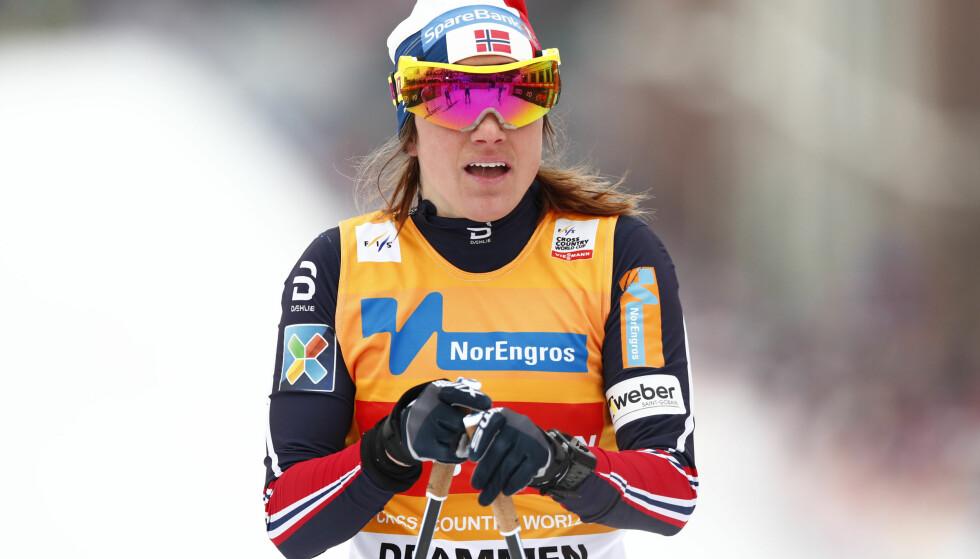 SLAPP MED SKREKKEN: Heidi Weng ble nr. 30 i prologen og kan takke Ragnhild Hagas fall for at krisen ble avverget på sprinten i Falun. Weng kjemper for å beholde den gule trøya når verdenscupen avsluttes denne helga. Foto: Terje Pedersen / NTB scanpix