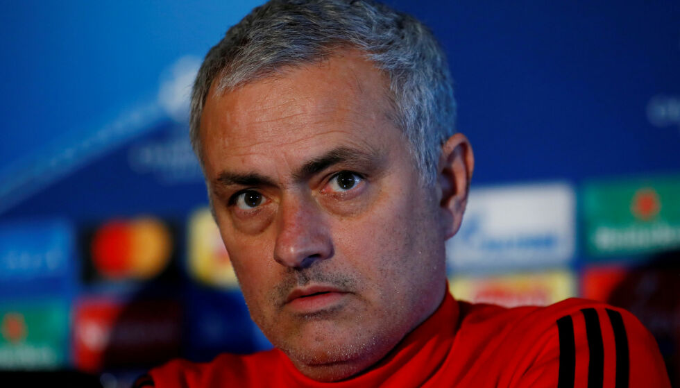 UNDER KRITIKK: Jose Mourinho sa hei, satt seg ned, og snakket nesten uavbrutt i 12 minutter på dagens pressekonferanse. Foto: Reuters/Jason Cairnduff/File Photo