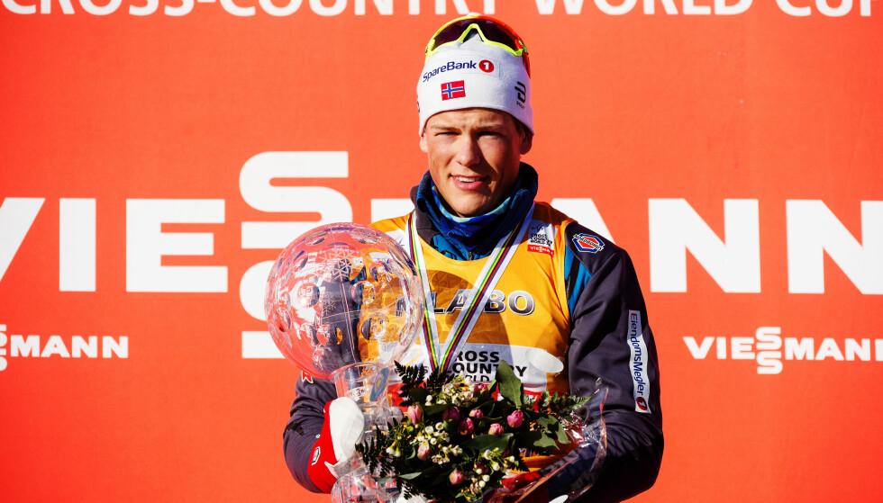 YNGST: Johannes Høsflot Klæbo ble den yngste mannligee sammenlagtvinneren av verdenscupen i langrenn, 21 år gammel. Foto: Bildbyrån