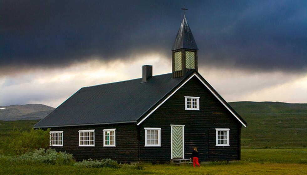AVLYST: Påskegudstjeneste i Áisaroaivi i Finnmark er avlyst fordi presten er homoliberal. Foto: Den norske kirke
