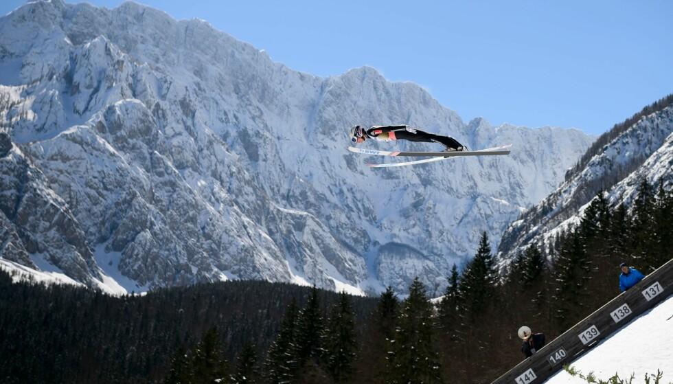 POLSK SEIER: Kamil Stoch vant da tre nordmenn endte blant topp fem. Foto: AFP/Jure Makovec