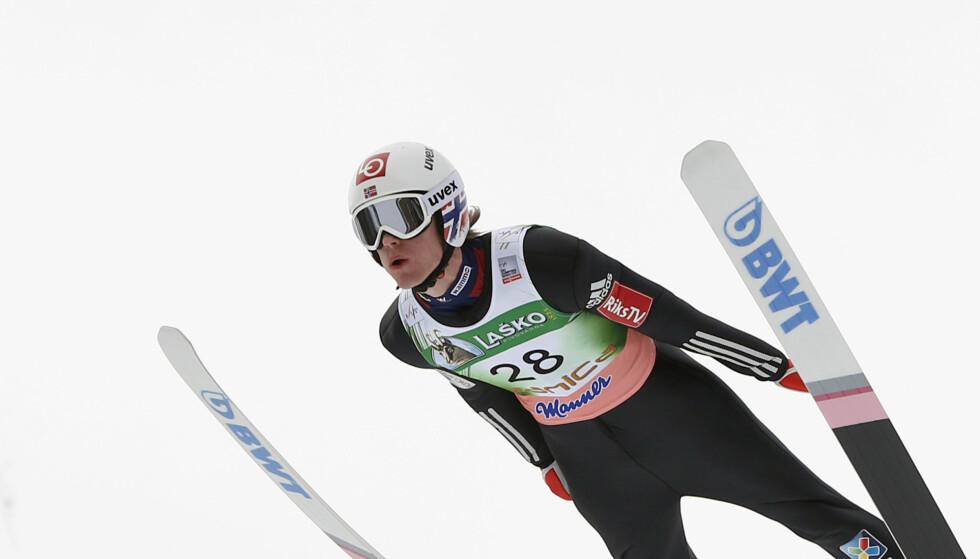TRE: Ingen kunne gjøre noe med Kamil Stoch under skiflygingsrennet i Planica søndag. Daniel-André Tande ble beste nordmann på tredjeplass. Foto: Ap