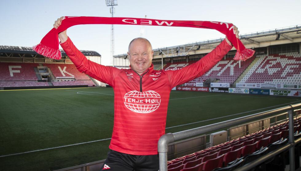 LAGET ALLE VIL SLÅ: Alle i 2.divisjon avdeling 1 har ekstra lyst til å slå Per-Mathias Høgmo og Fredrikstad, men det gamle storlaget har ressurser til å stå imot. FOTO: Foto: Heiko Junge / NTB scanpix