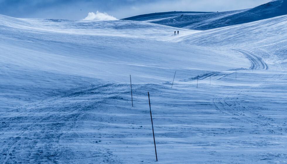 KALDESTE PÅ LENGE: Gradestokken spriker med 40 grader bare i løpet av noen dager. Her skiløpere på vei til Spåtind i Nordre Land. Foto: Stian Lysberg Solum, NTB Scanpix.