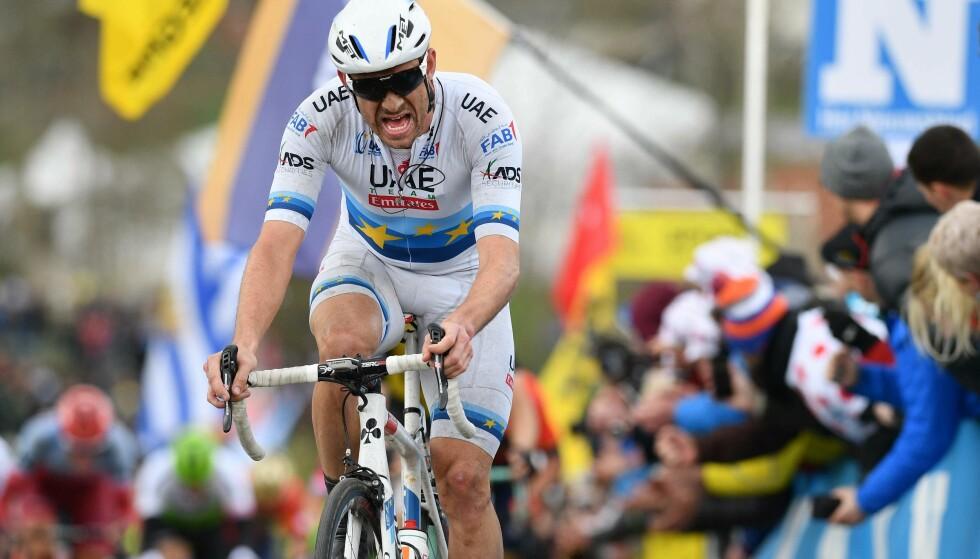 VANT IGJEN: Alexander Kristoff vant Eschborn-Frankfurt for fjerde gang. Foto: AFP PHOTO / BELGA AND Belga / DIRK WAEM / Belgium OUT