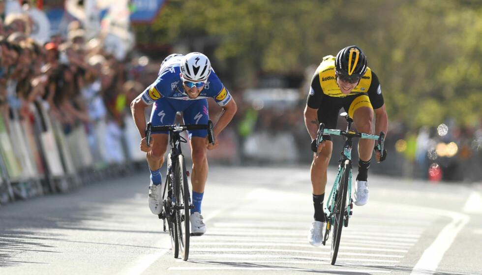 SPURTSEIER: Julian Alaphilippe slo Primoz Roglic på den første etappen av Baskerland rundt. FOTO: Tim de Waele (TDWSport.com)