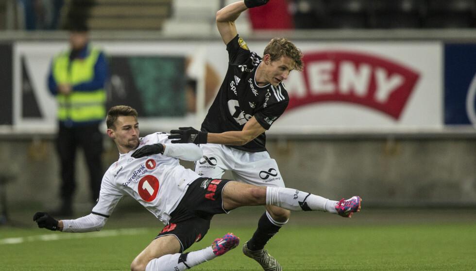 STILLINGSKRIG: Det var to lag som kjempet om tre poeng, men de måtte dele poengene. Foto: Trond Reidar Teigen / NTB scanpix