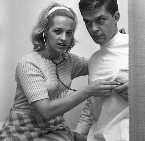 BLE KJÆRESTER: Dette bilde av Lill-Babs og Kjell Kaspersen skal være tatt før de ble kjærester i 1967. Foto: Ivar Aaserud / NTB Scanpix