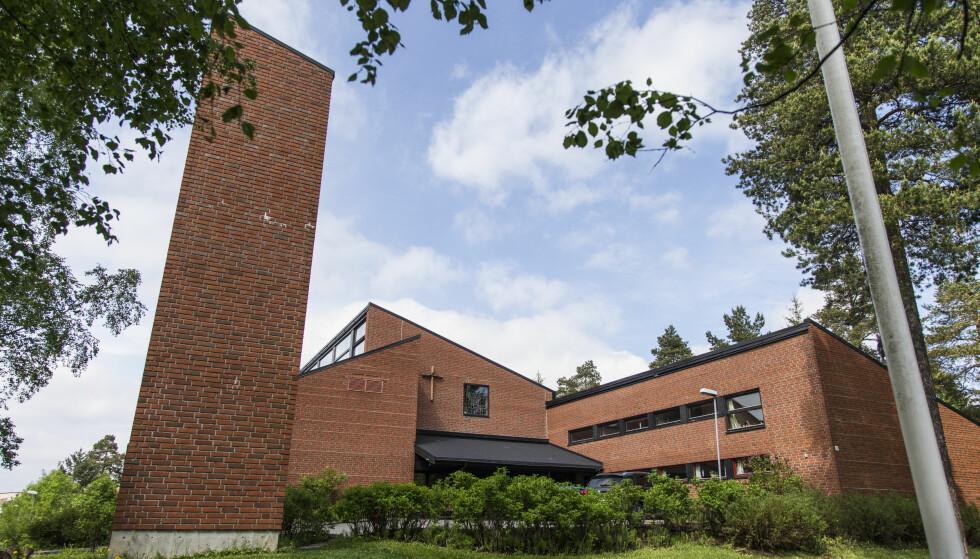 FORSVINNER?: Ellingsrud kirke er en av kirkene som foreslås nedlagt i Oslo. Foto: NTB scanpix