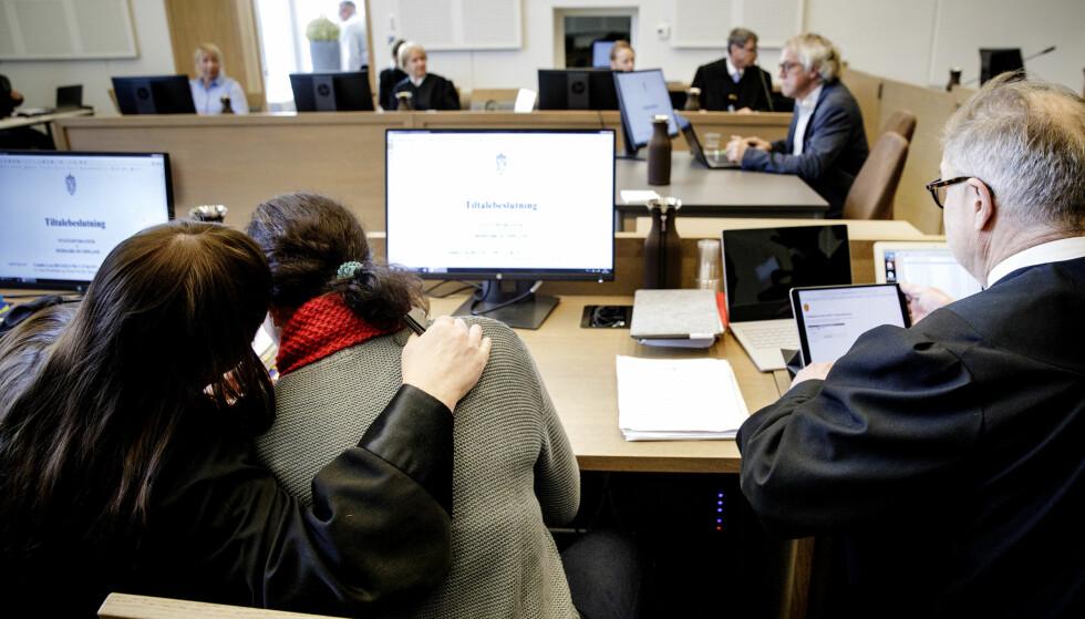 KAN BLI IDØMT FENGSEL: Den 46-årige tiltalte moren har en tiltale mot seg med en strafferamme på 15 års fengsel. Her fra tidligere i rettssaken. Foto: Nina Hansen / Dagbladet